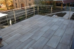 großformatige Terrassenplatten auf Stelzlagern
